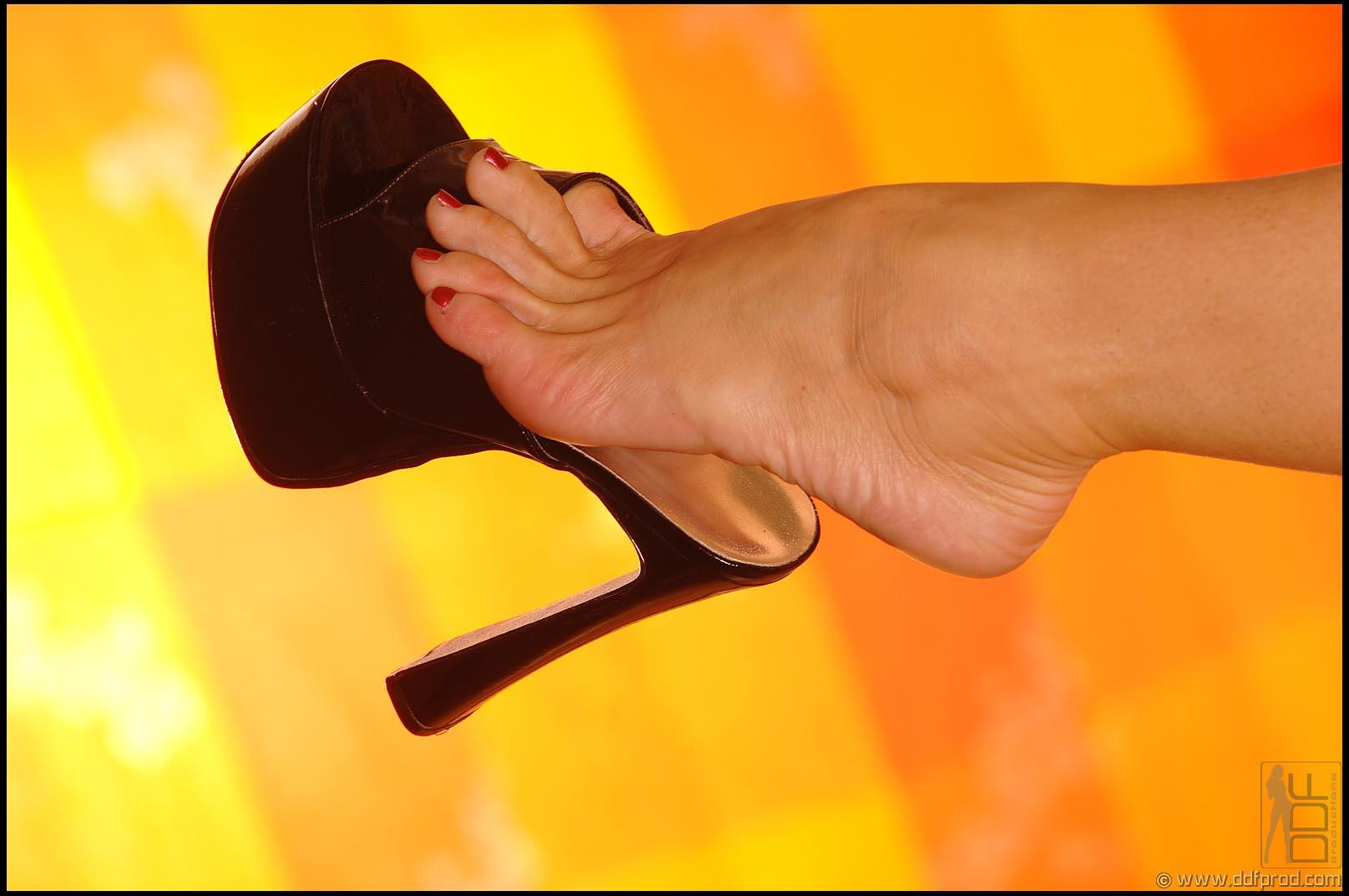 silvia saint feet